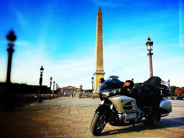 Taxi moto Roissy: Comment atteindre Paris plus vite ?